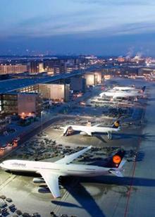 走进法兰克福机场